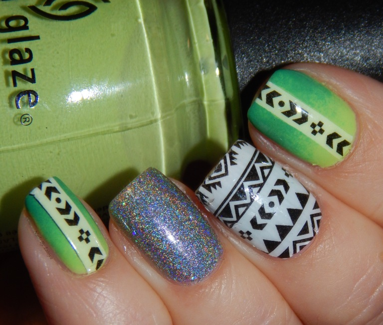 Tribal_nail_art