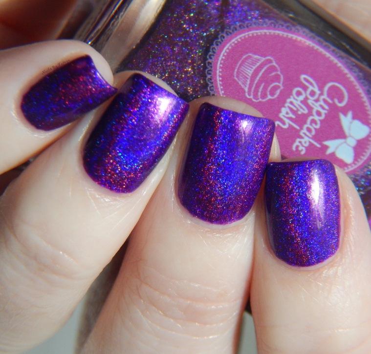 cupcake_polish_berry_good_looking_2