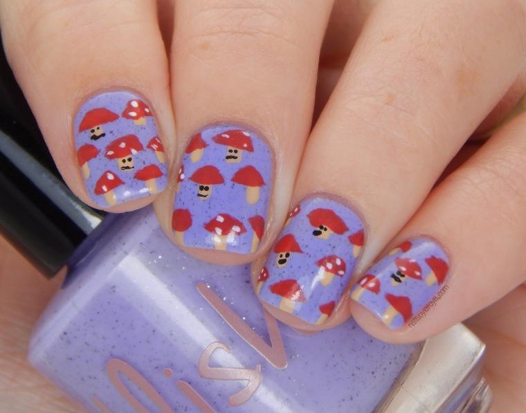 Mushroom_nail_art_2