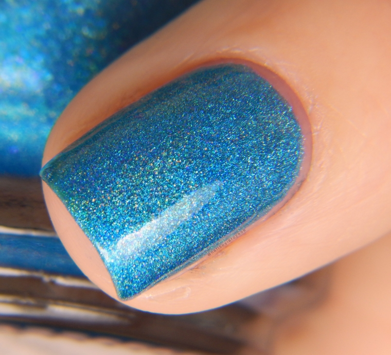 pahlish_blue_raspberry_banshee_01
